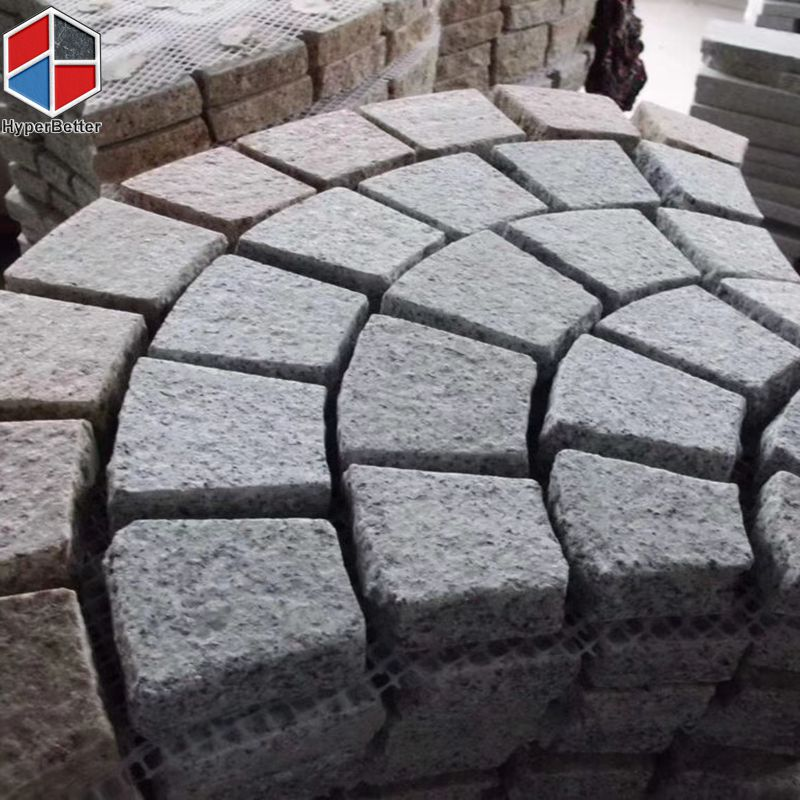 Fan shaped granite paving stone (2)